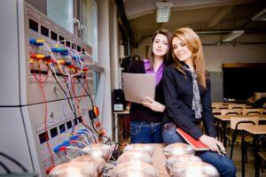Nowe technologie dla dziewczyn - stypendia Fundacji Edukacyjnej Perspektywy